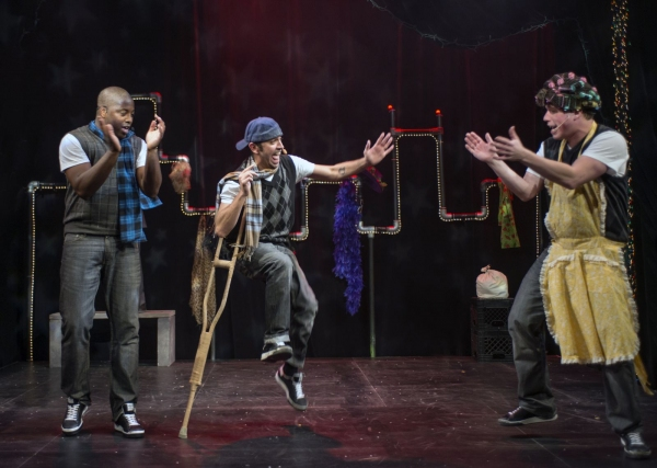 Photos: First Look at Chicago Shakespeare's A Q BROTHERS' CHRISTMAS CAROL