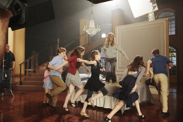 Carrie Underwood as Maria with Joe West as Kurt, Ella Watts as Louisa, Sophia Caruso as Brigitta, Ariane Rhinehart as Liesl, Michael Nigro as Fredrich