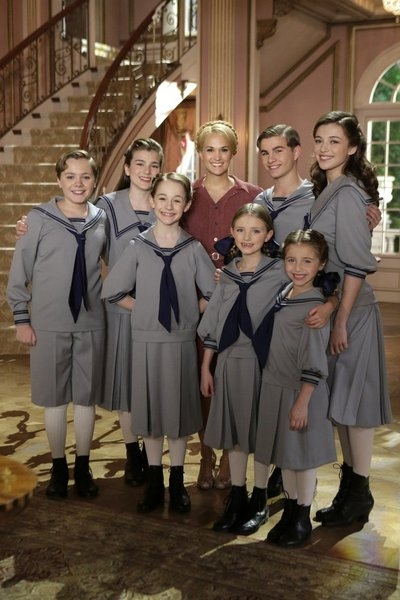 Photo and Video Preview: NBC's THE SOUND OF MUSIC Live Special Airs Tonight at 8pm!