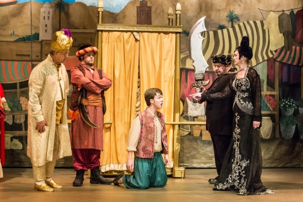 David Almquist as The Grand Vizier, Danford Knowlton, Thomas Ovitt as Aladdin, 