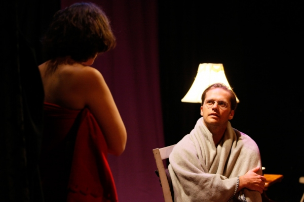 BWW Reviews: SEASCAPE WITH SHARKS AND DANCER Examines the Push and Pull in Relationships