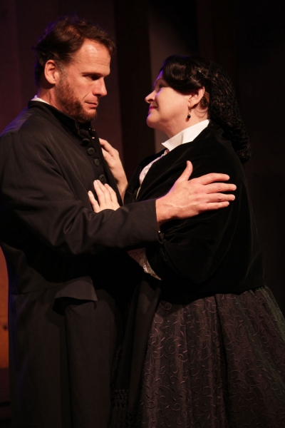 Abraham Lincoln (Joe Kirkendall) and Mary Todd Lincoln (Susan Shofner)