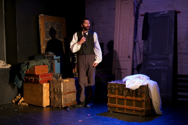 Photo Flash: First Look at Blessed Unrest's A CHRISTMAS CAROL, Now Playing