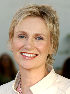 Jane Lynch Talks GLEE, Theatre & Upcoming Concert Tour Plans