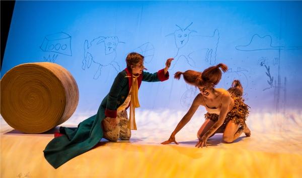 Amelia Hefferon (Little Prince) and Kasey Foster (Fox)