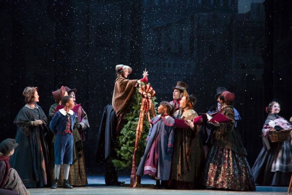 Photo Flash: First Look at McCarter Theatre Center's A CHRISTMAS CAROL, Now Playing