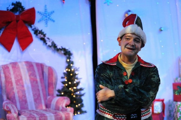 BWW Reviews: THE SANTALAND DIARIES at the Denver Center Is Filled With Hilarious Sarcasm, Holiday Delight