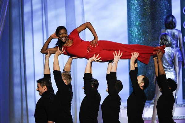 Photo Flash: Sutton Foster, Patina Miller and More Perform at 36th Annual KENNEDY CENTER HONORS, Airing Tonight