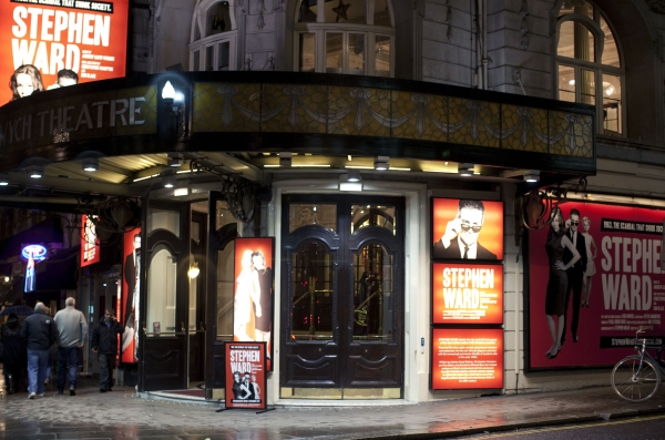 Photo Flash: STEPHEN WARD Opens at West End's Aldwych Theatre!