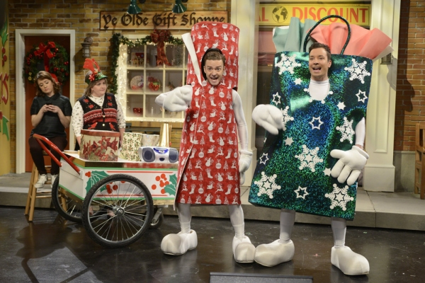 SATURDAY NIGHT LIVE -- Jimmy Fallon/Justin Timberlake Episode 1651 -- Pictured: (l-r) Noel Wells, Aidy Bryant, Justin Timberlake, Jimmy Fallon -- (Photo by: Dana Edelson/NBC)
