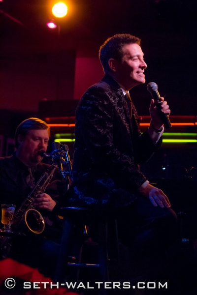 Photo Flash: Michael Feinstein Brings the Holidays to Birdland