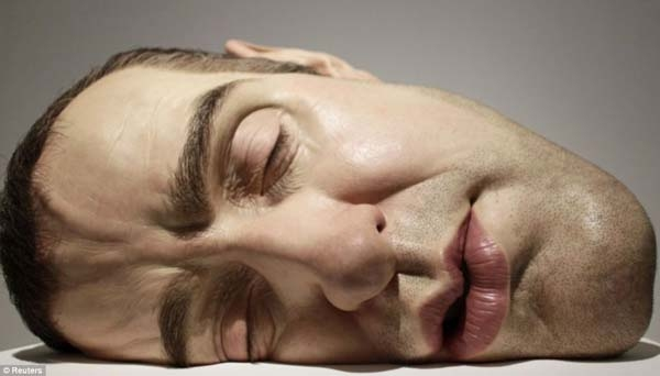Photo Flash: Ron Mueck - Is it Real, or is it Art?