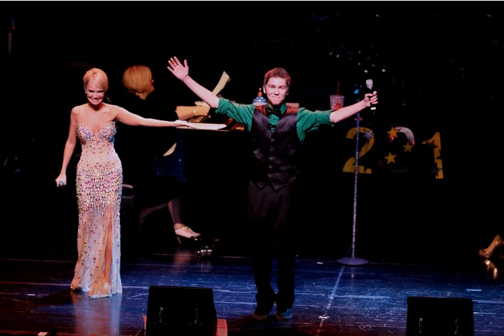 BWW Exclusive: Kristin Chenoweth Rings in Sold-Out New Year in Las Vegas with First Male 'For Good' Duet Partner - Standing Ovations & More!