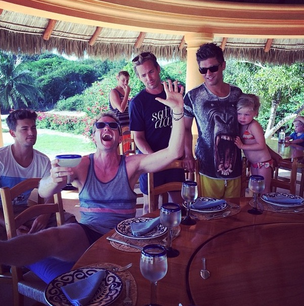 Twitter Watch: Neil Patrick Harris Sips Margaritas in Mexico!