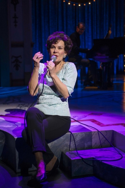 Photo Flash: First Look at Hollis Resnik in Milwaukee Rep's END OF THE RAINBOW