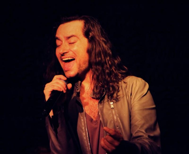 BWW Reviews: Constantine Maroulis Rocks Houston with Solo Cabaret Concert