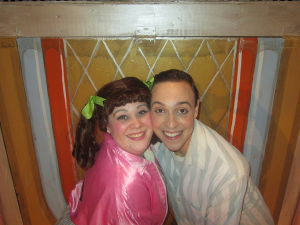 BWW Reviews: Encore Dinner Theatre Offers a Movin' and Groovin' GREASE