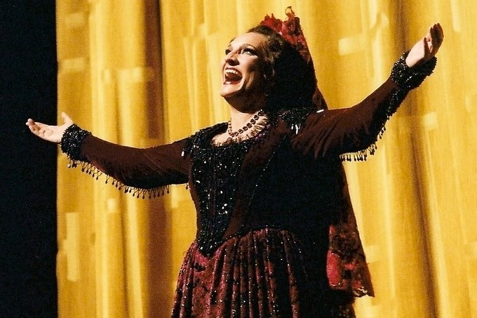 Dixie Diva Dishes! Mezzo VICTORIA LIVENGOOD Shares Her iPod with BWW