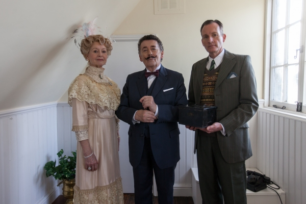 Liza Goddard, Robert Powell and Robin McCallum