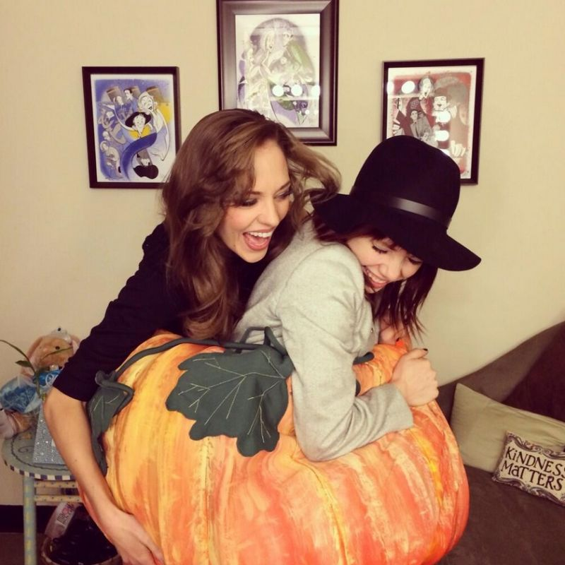 Twitter Watch: Laura Osnes Introduces Carly Rae Jepsen to CINDERELLA's Pumpkin!