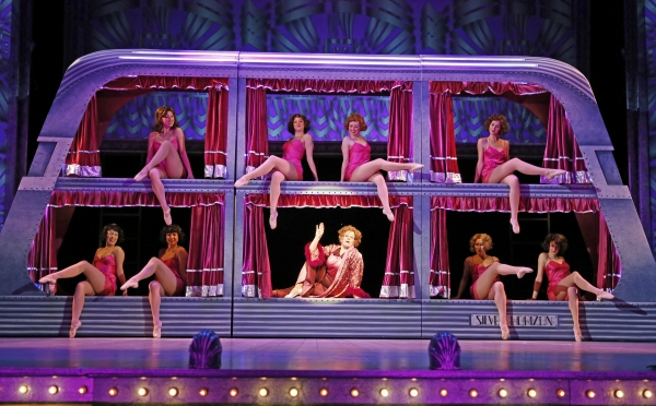 Maggie Jones (Nancy Voigts, center) and the chorus girls ''Shuffle off to Buffalo''