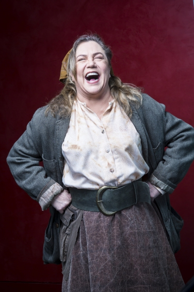 Photo Flash: Sneak Peek at Kathleen Turner in Arena Stage's 'MOTHER COURAGE'