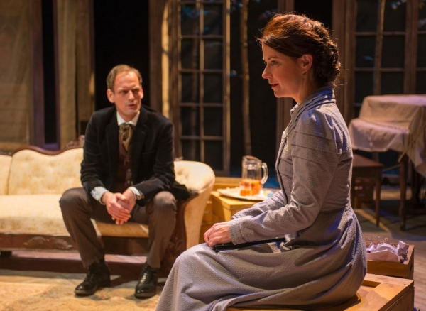 Photo Flash: First Look at Writers Theatre's HEDDA GABLER, Now Playing Through 3/16