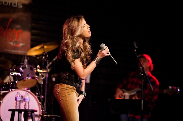 Photo Flash: Country Singer Kaitlyn Baker Performs at S.I.R. in Nashville