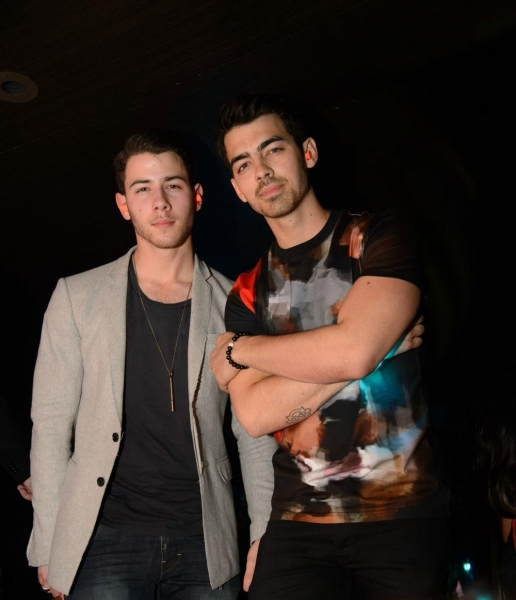 Photo Flash: Tiesto Celebrates Birthday at Hakkasan with Nick & Joe Jonas