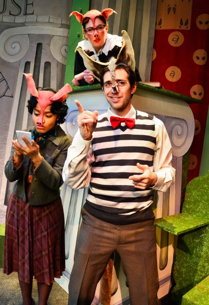 Photo Flash: Lifeline Theatre's THE TRUE STORY OF THE 3 LITTLE PIGS Extends thru March 2