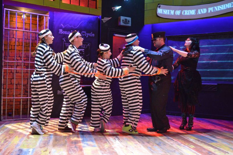 BWW Reviews: Adventure Theater's Viola Swamp Scares her Students but Audiences Laugh