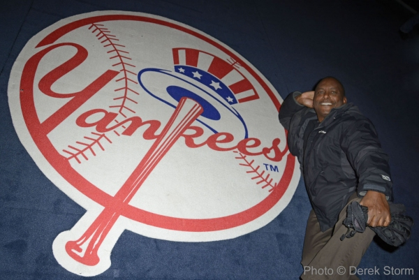 Photo Flash: Former New York Yankee Billy Sample Visits Broadway's BRONX BOMBERS