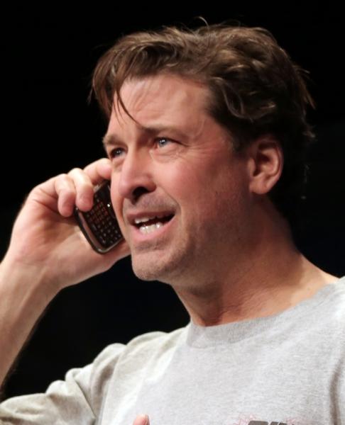 Paul Drinan as Joe