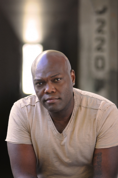 Peter Macon returns to the Guthrie as Othello Photo
