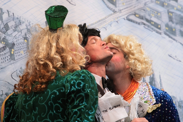 Photo Flash: Harvard's Hasty Pudding Theatricals Honor Neil Patrick Harris as 2014 Man of the Year