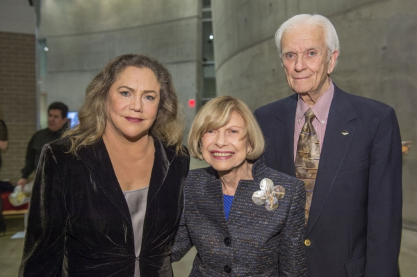 Kathleen Turner with production sponsors Charlotte and Hank Schlosberg