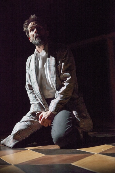 Billy Campbell as Leontes