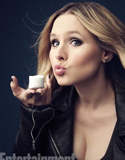 Photo Flash: First Look - Kristen Bell Joins VERONICA MARS Cast for EW Portrait Shoot