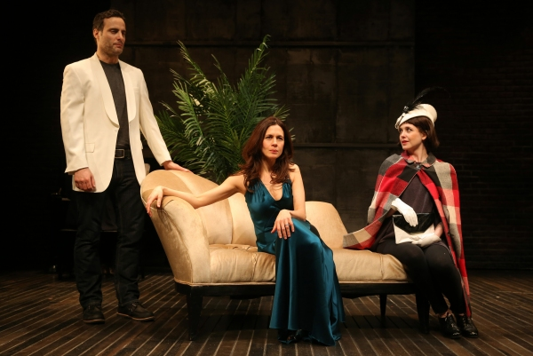 Photo Flash: First Look at Jessica Hecht, Dominic Fumusa and More in STAGE KISS at Playwrights Horizons