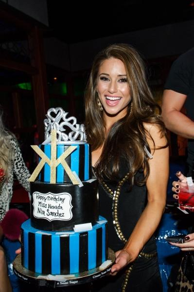 Photo Flash: Miss Nevada USA Nia Sanchez Celebrates Birthday At Hakkasan Las Vegas' Ling Ling Club - Saturday, Feb. 15