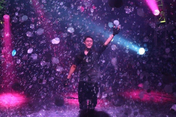 Photo Flash: GAZILLION BUBBLE SHOW Celebrates 7 Years in NYC