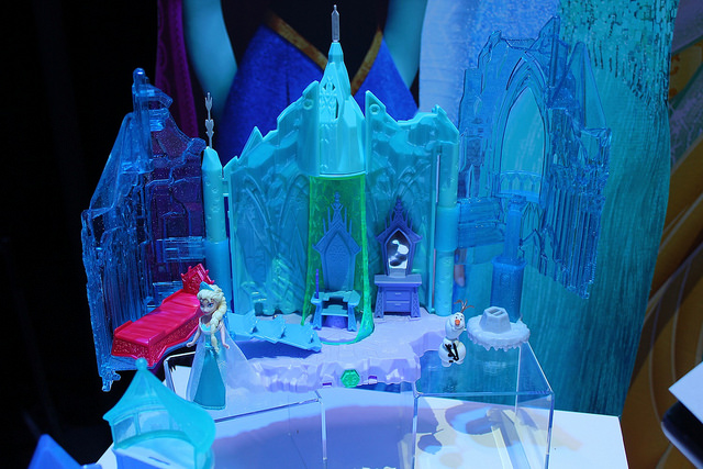 First Look At Mattel's Elsa & Anna Dolls From Disney's FROZEN
