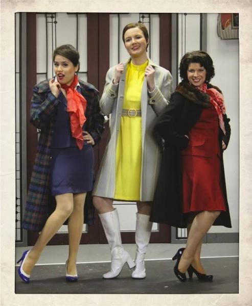 Helen Rios (Gloria - the American), Megan Nix (Gretchen - the German), and Amanda Baird (Gabriella - the Italian)