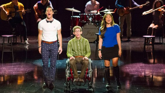 FIRST LISTEN: GLEE's Darren Criss & More Cover  Kelly Clarkson's 'Breakaway' on All-New Episode