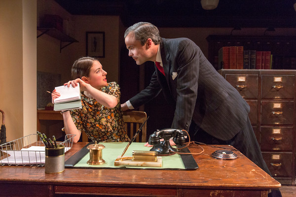BWW Reviews:  LONDON WALL Depicts 1930s Glass Ceiling