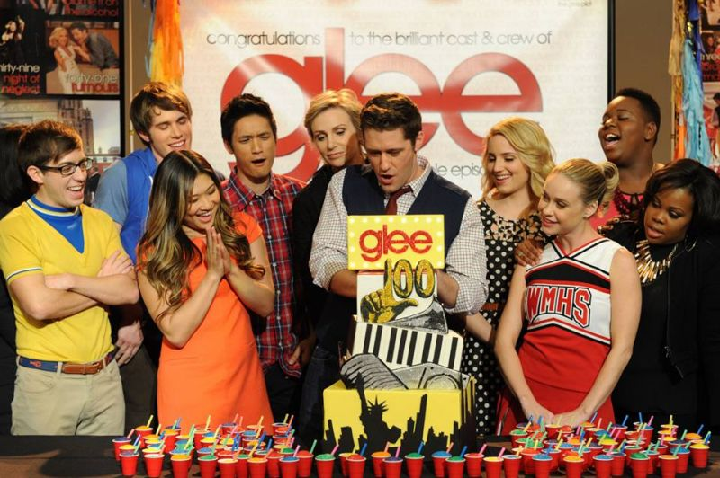 Sneak Peek & Behind The Scenes Of GLEE's 100th Episode