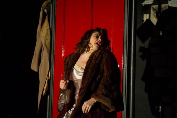 Frances Ruffelle (Bella)