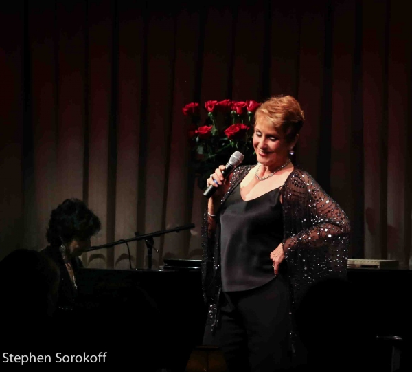 Photo Coverage: Amanda McBroom Plays the Colony Hotel in Palm Beach