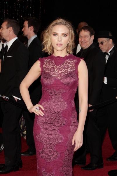 Photo Flash: BWW Looks Back at Most Glamorous OSCAR Fashions!