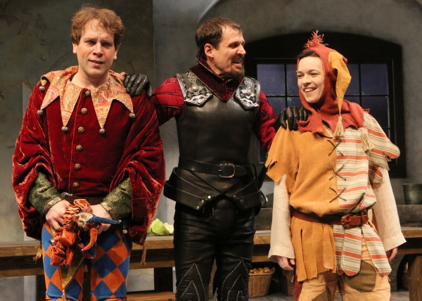 BWW Reviews: Alley Theatre's World Premiere of FOOL Offers More Laughs Than Substance